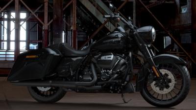 400-225-roadking-special-VIVID BLACK.jpg